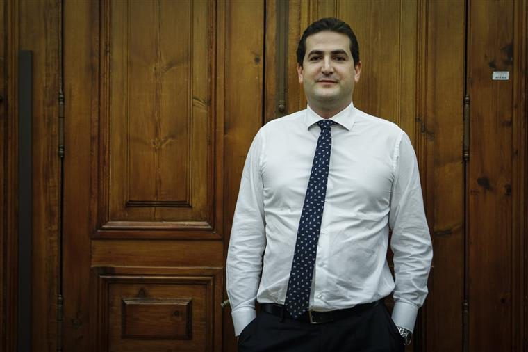 Rui Rio mantém Hugo Soares como líder parlamentar