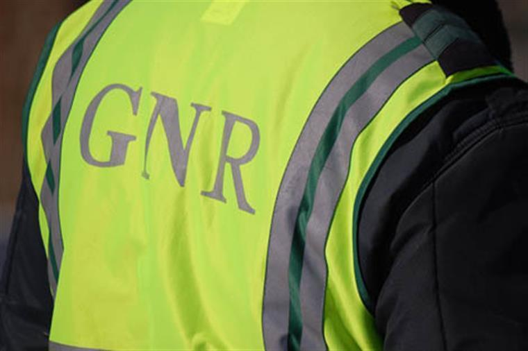 Jipe da GNR capotou durante perseguição em Aveiro