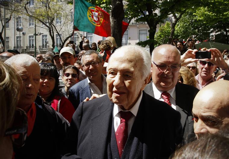 Homenageamos Mário Soares continuando o combate por um Portugal melhor -- Costa