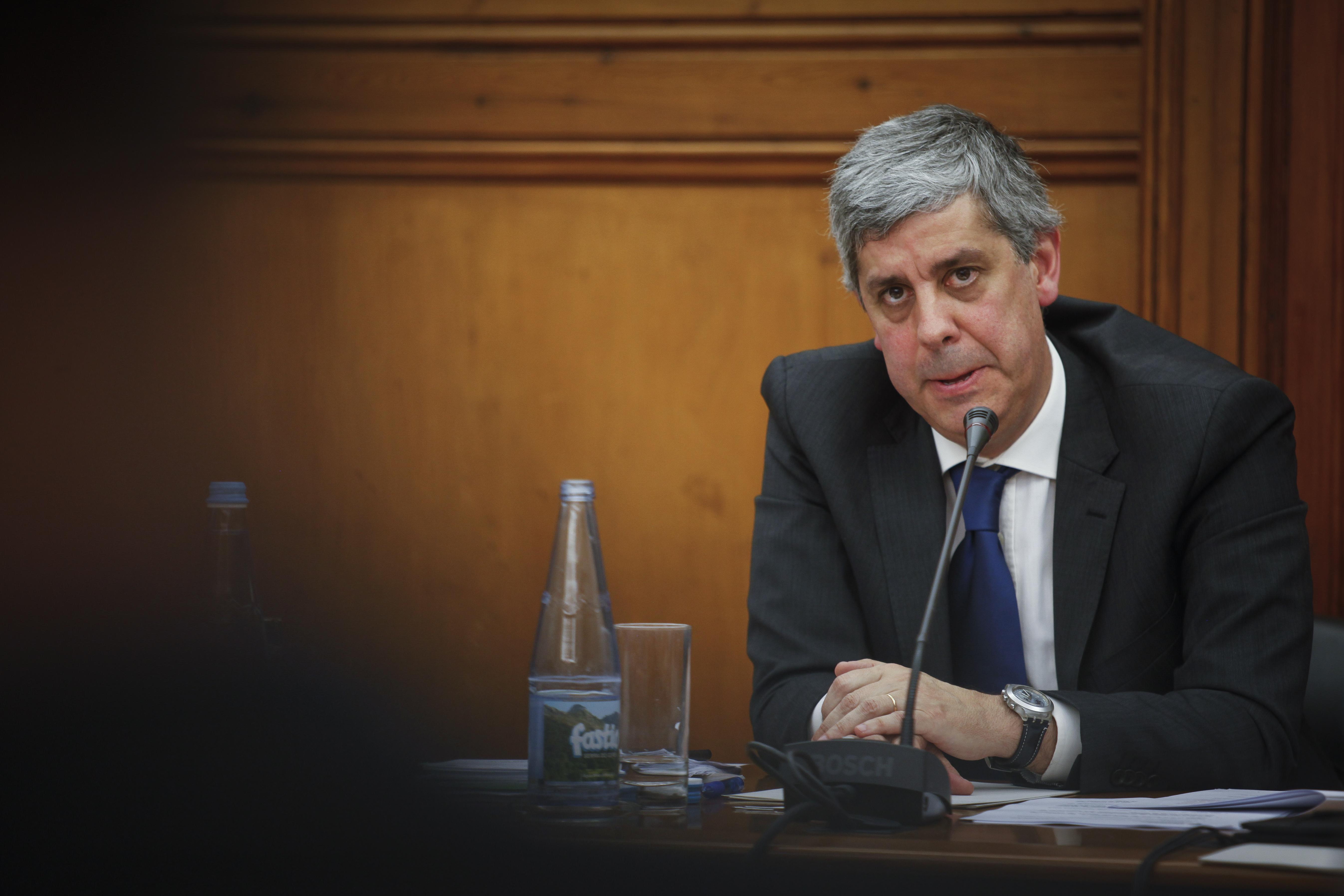 Ministério nega intervenção do Governo em isenção a filhos de Vieira