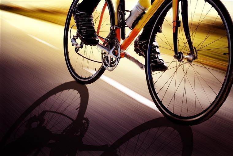 Ciclista apanhado em excesso de velocidade por radar obrigado a pagar multa