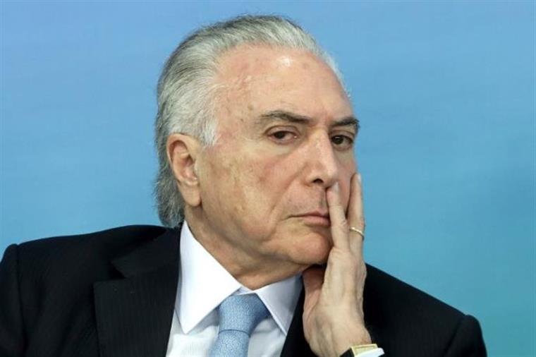 Polícia acusa Temer de receber suborno de quase seis milhões de reais