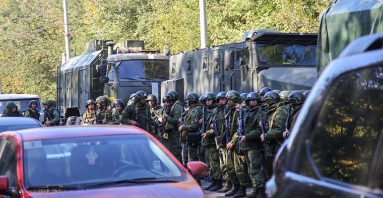 Crimeia. Estudante de 18 anos ataca universidade e mata 19 pessoas