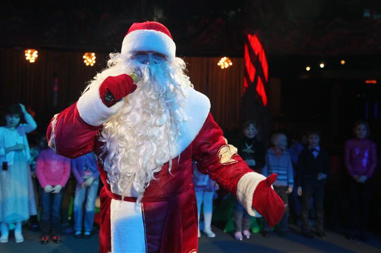 Professora contou aos alunos que o Pai Natal não existe...e foi despedida