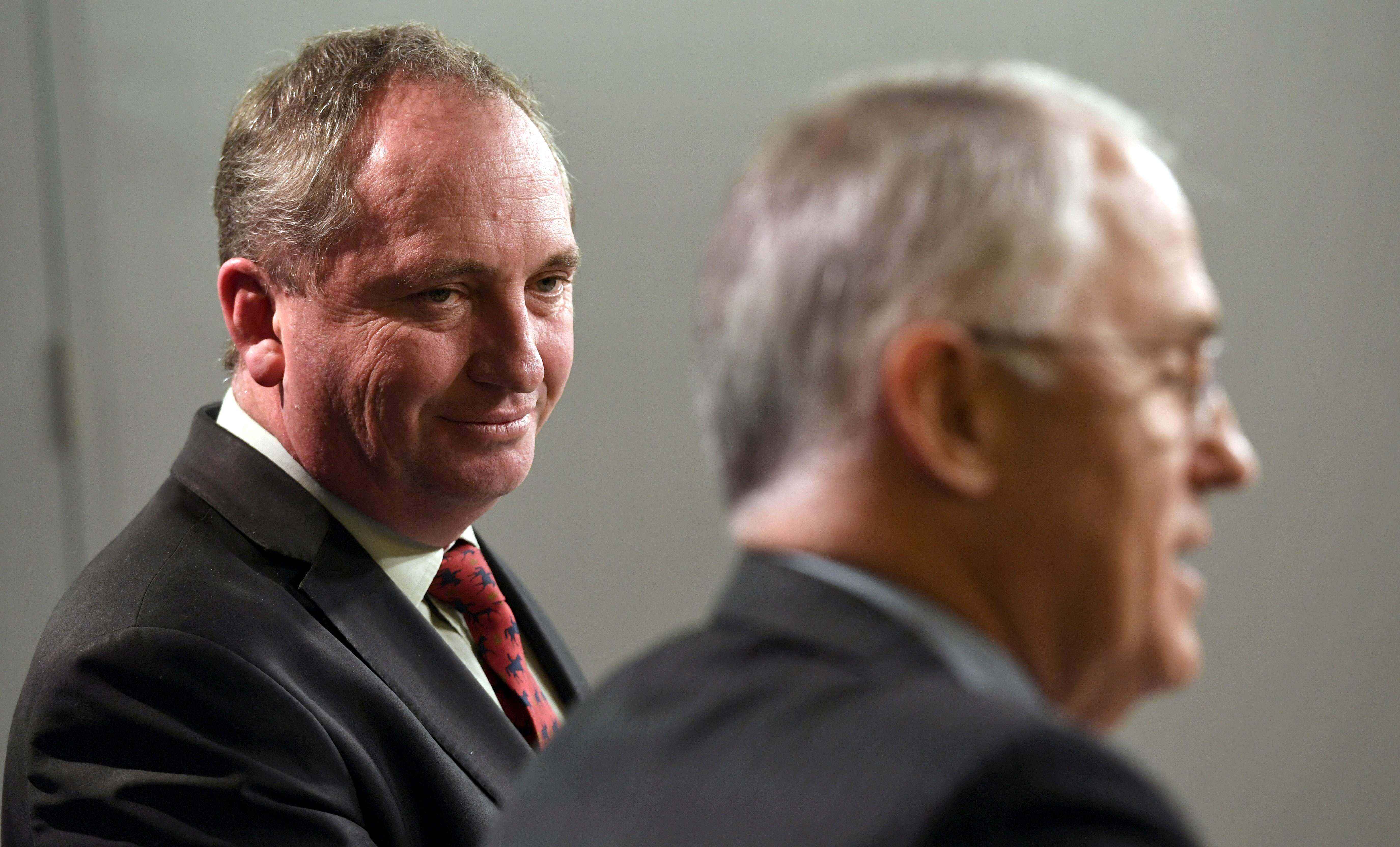 Premier australiano proíbe relações sexuais entre ministros e assessores