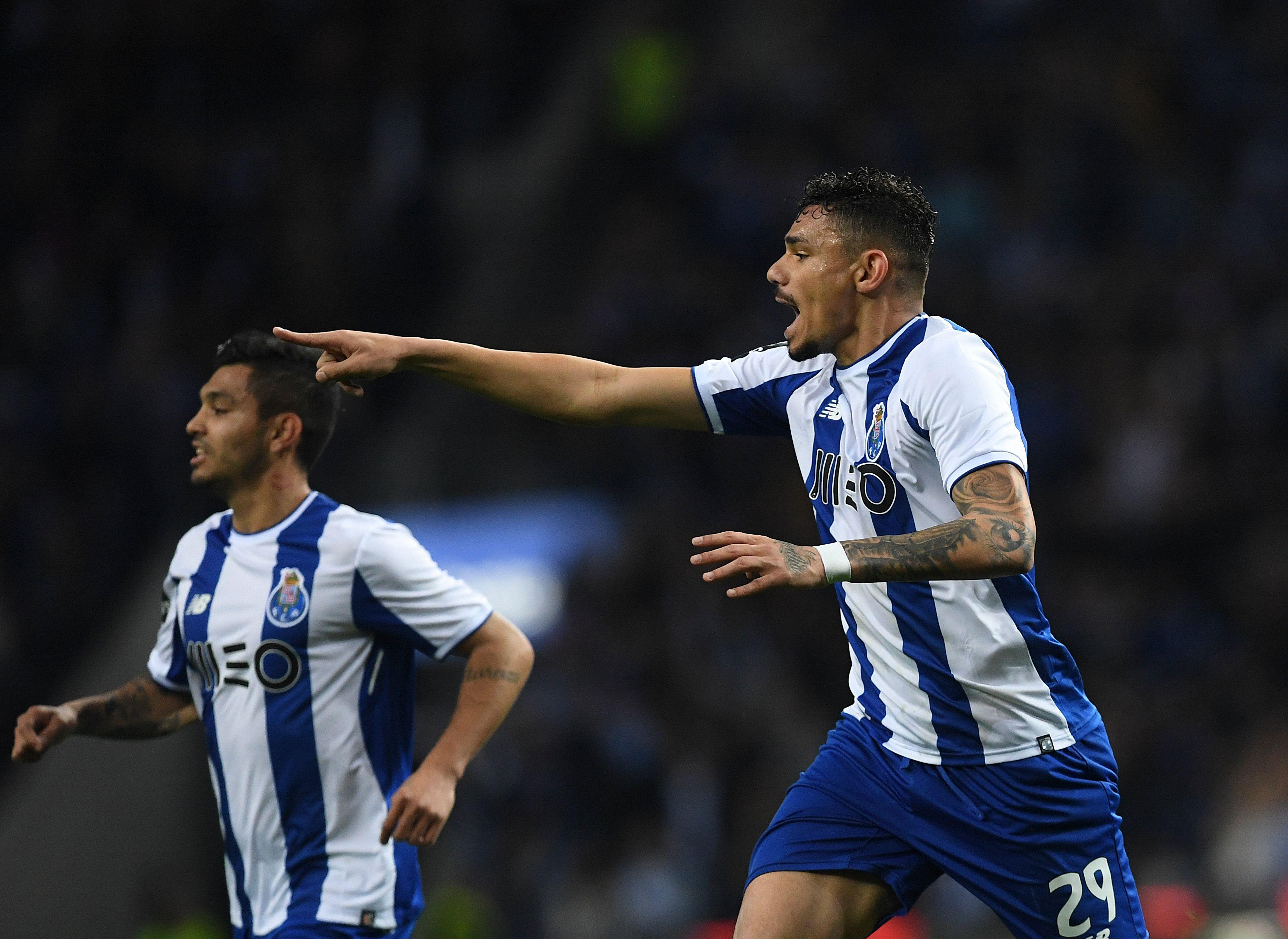 FC Porto retoma liderança com goleada ao Rio Ave