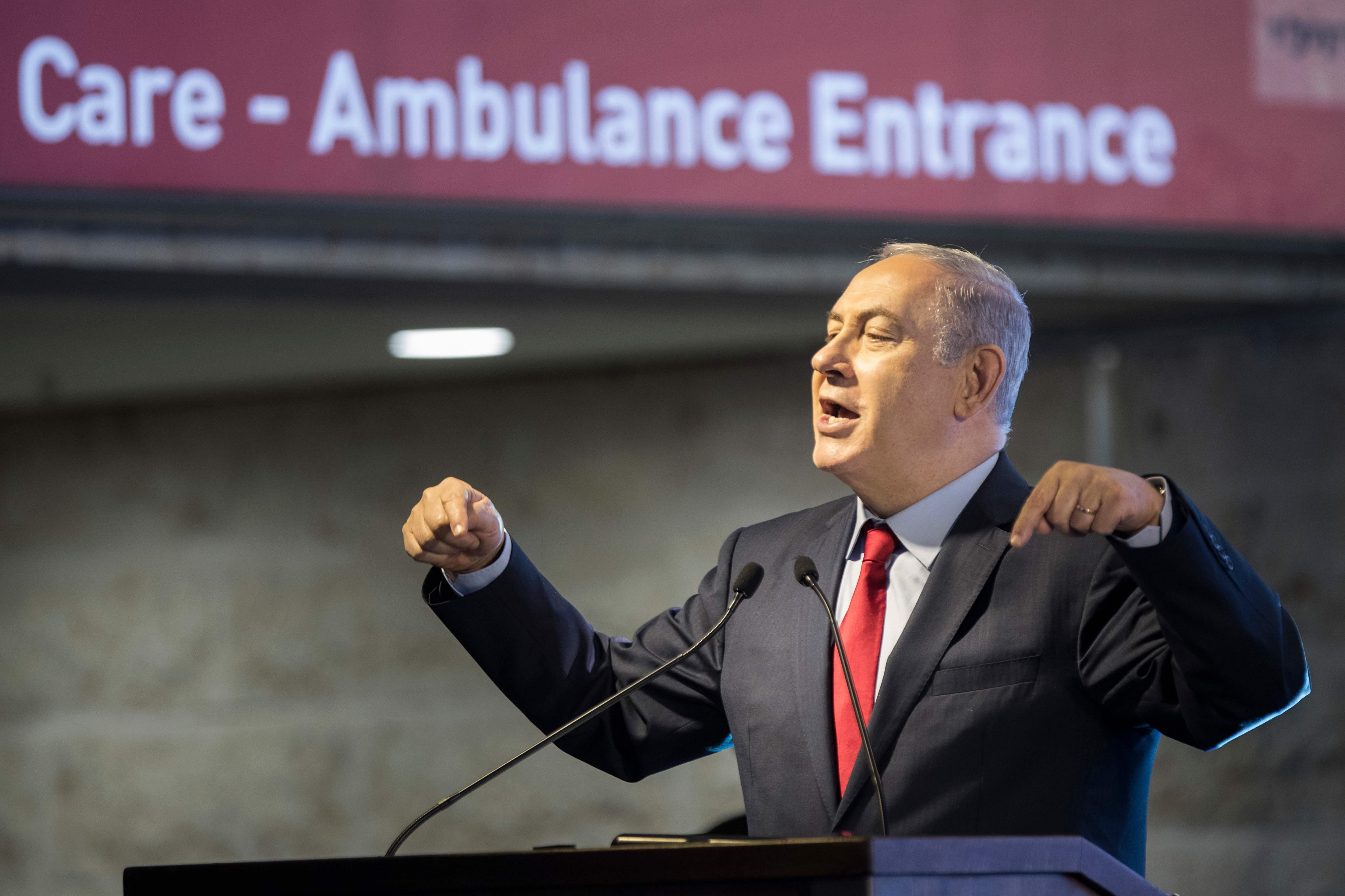 Polícia israelense prende executivos da Bezeq em caso envolvendo Netanyahu
