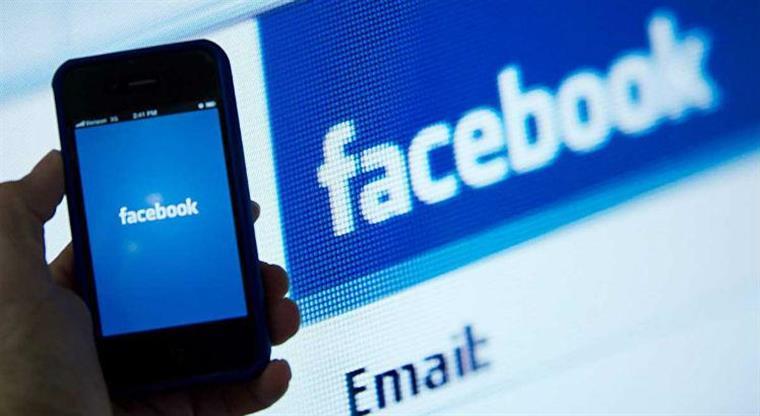 Mulher processa Twitter, Facebook e Google