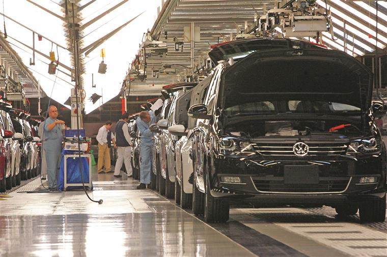 Autoeuropa com pré-acordo para subir salários em 3,2%