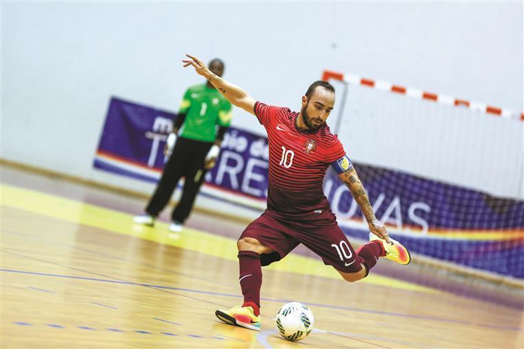 Portugal goleia Azerbaijão e está nas meias-finais do Euro de futsal