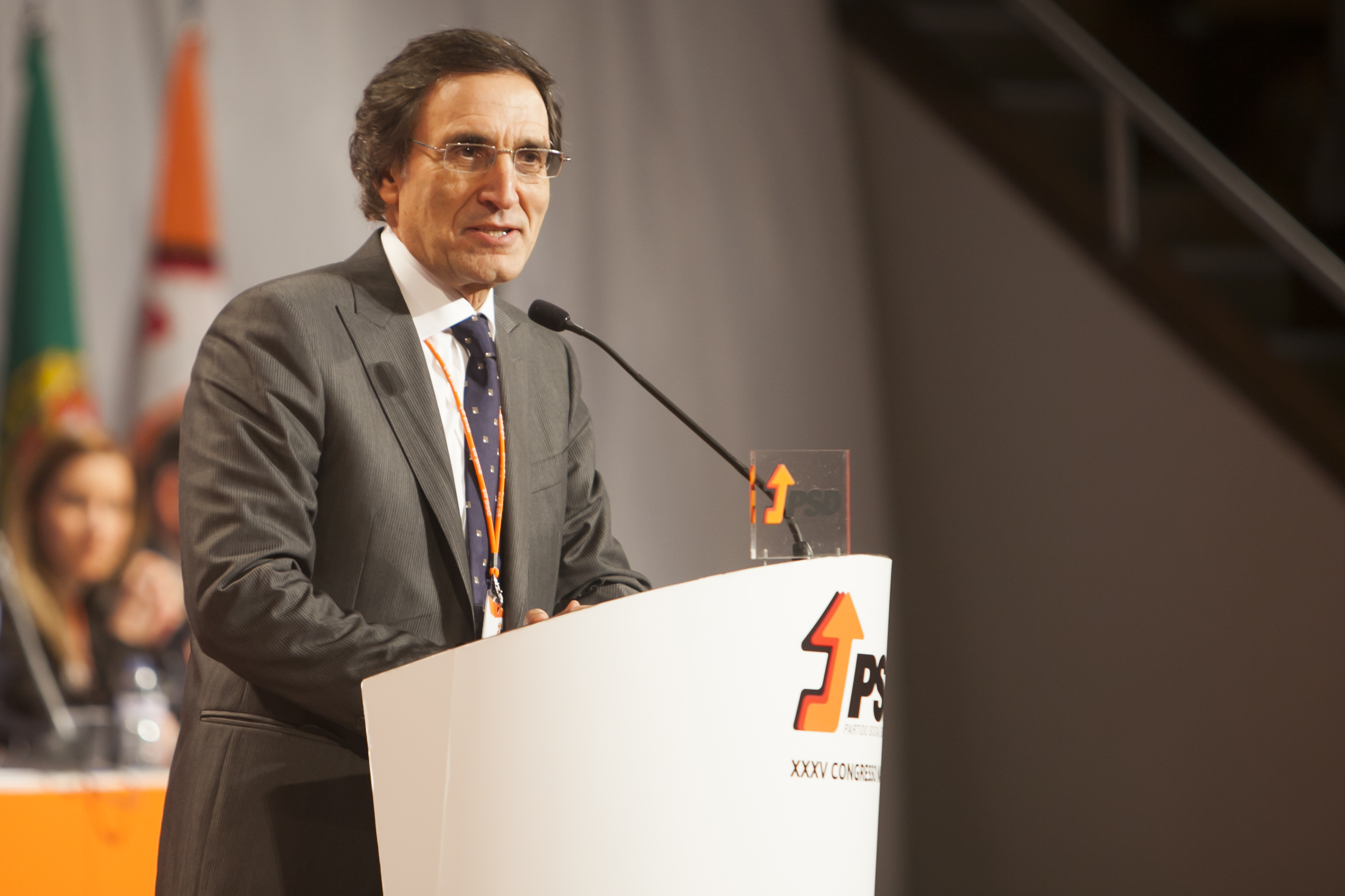 Morreu o professor e ex-ministro Calvão da Silva