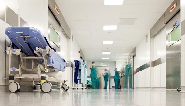 Enfermeiros iniciam paralisação de dois dias