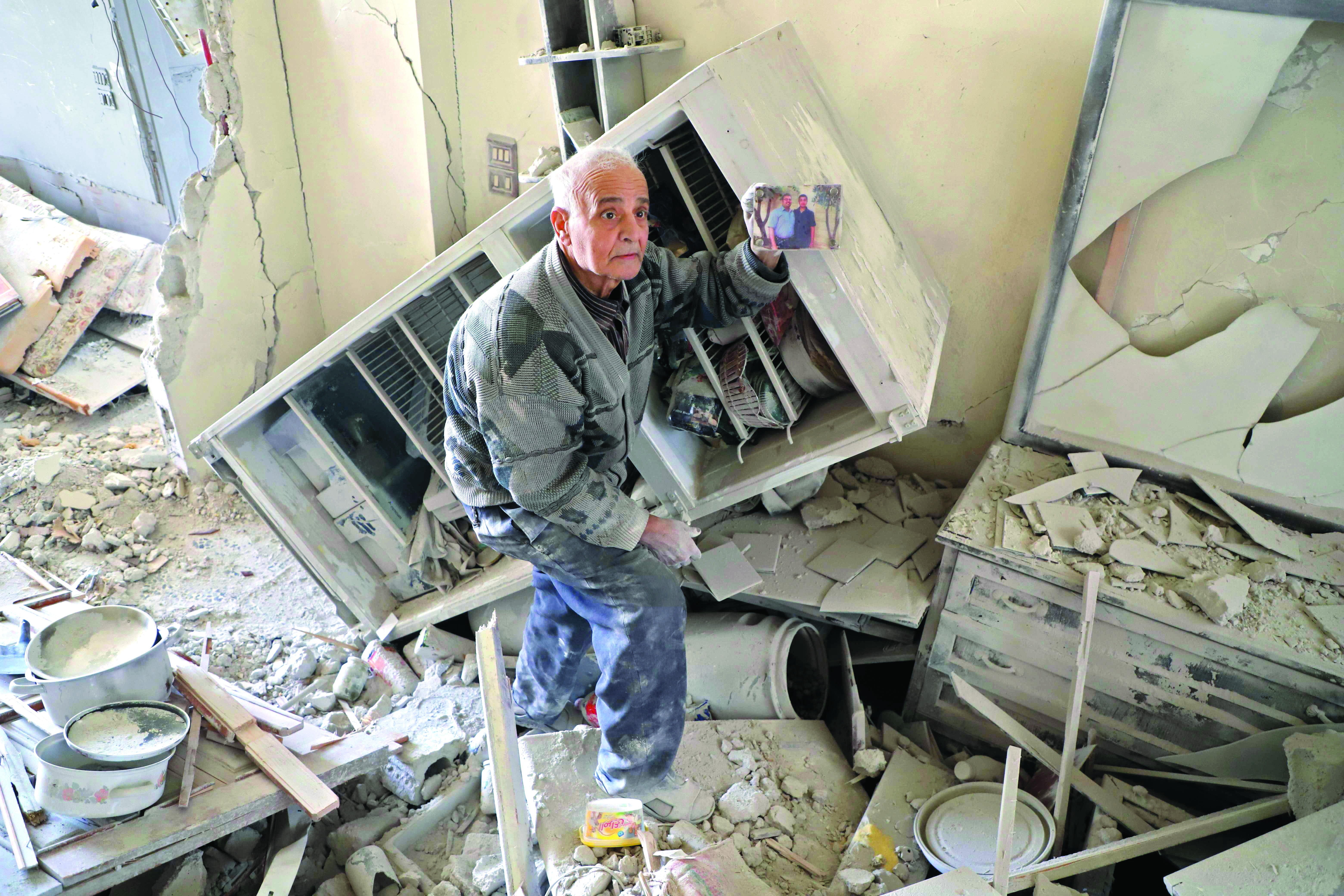 Síria: militantes atacam corredor humanitário que seguia a Ghouta