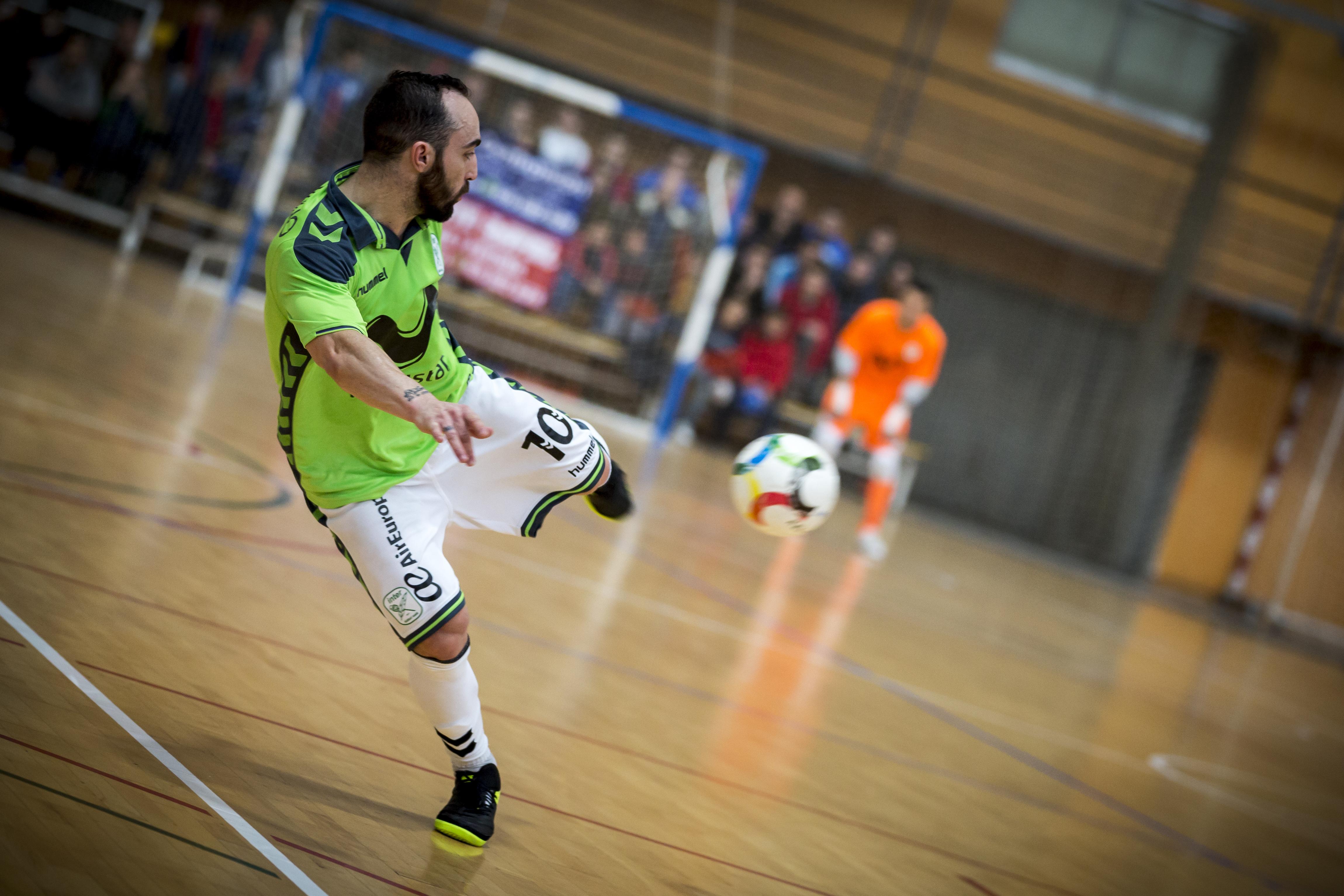 Sporting em Saragoça para conquistar a UEFA Futsal Cup