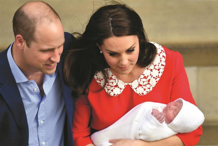 A forma caricata (e muito divertida) que um jornal inglês usou para anunciar o nascimento do filho de William e Kate