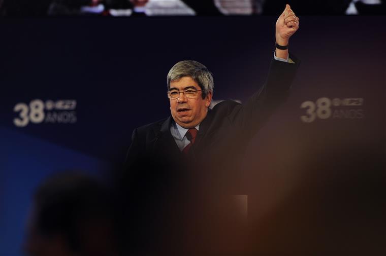 Ferro Rodrigues apela à reflexão sobre a limitação de mandatos de cargos políticos