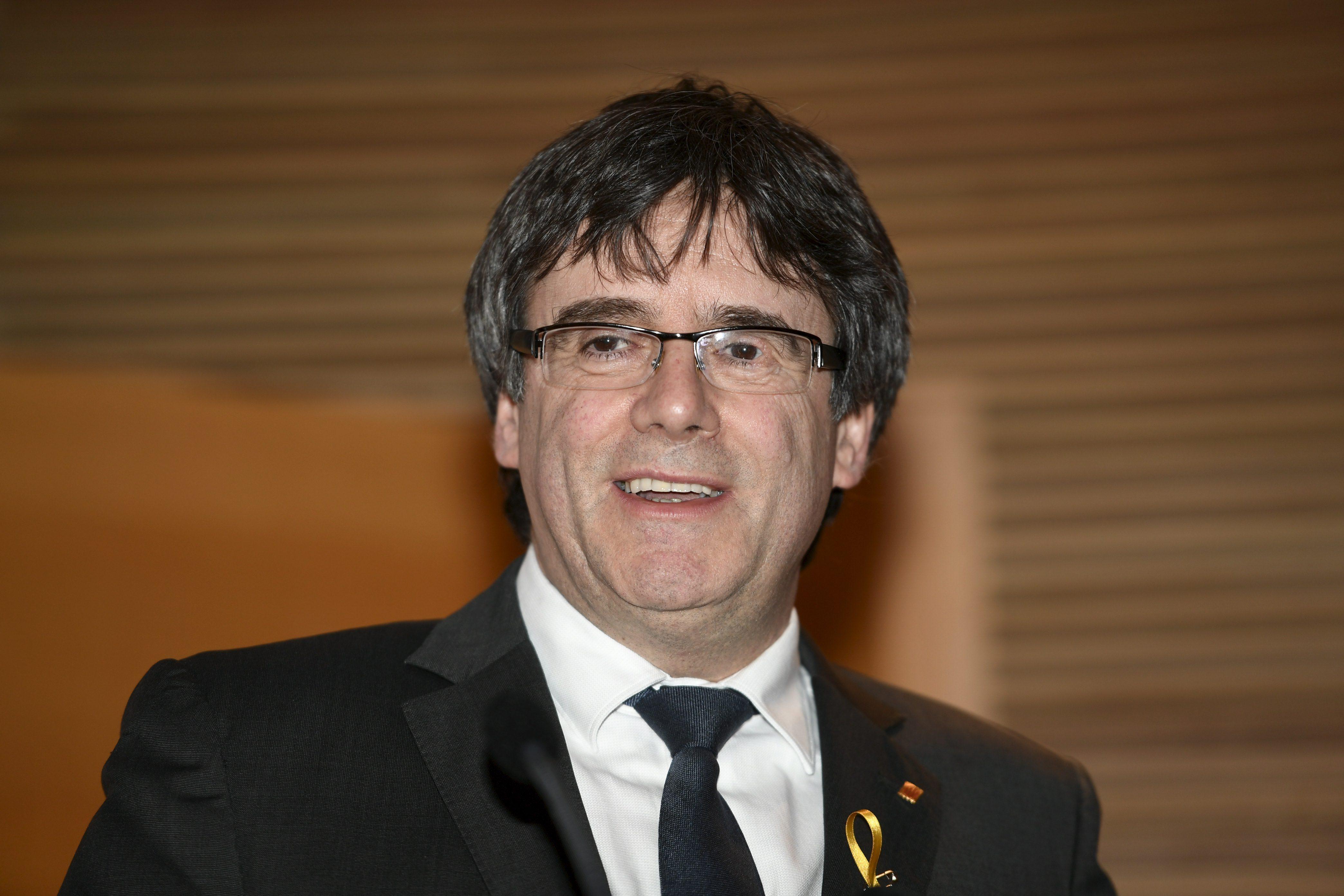 Tribunal alemão soltará ex-líder catalão Puigdemont sob fiança