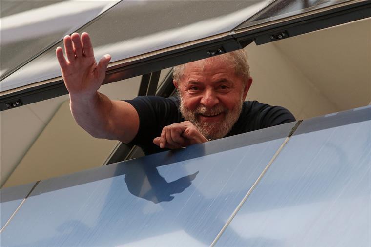 Moro decide que visitas a Lula ficarão restritas a advogados e familiares