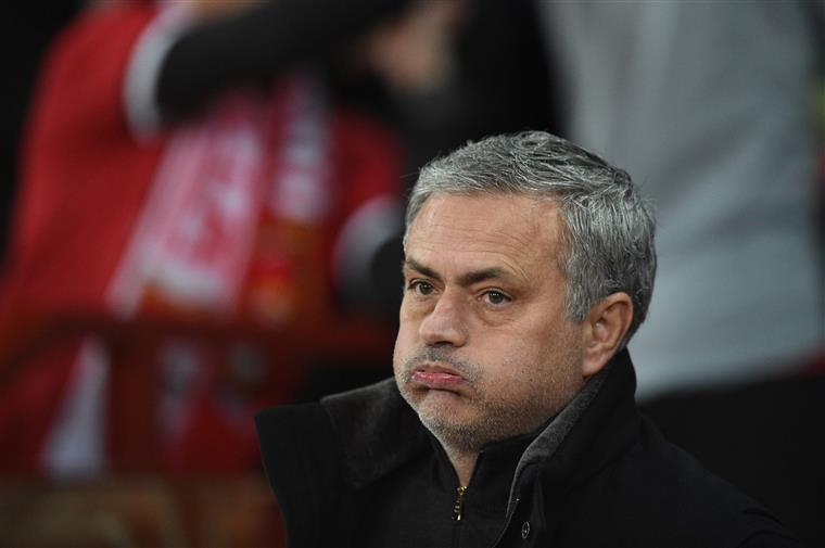 Mourinho chega a acordo com fisco espanhol e paga 800 mil euros