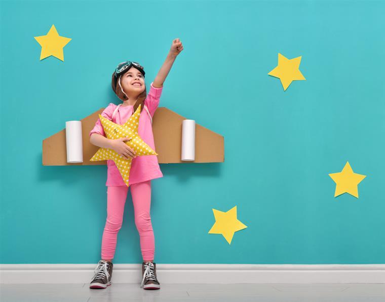 Ser Criança é: Ser Criança é Coisa Séria E Com As Brincadeiras Não Se Brinca