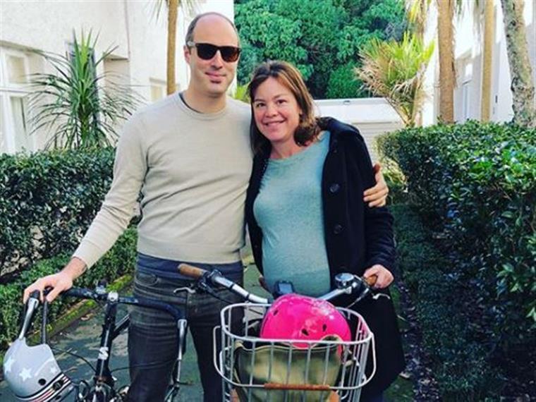 Ministra foi de bicicleta para o hospital para dar à luz