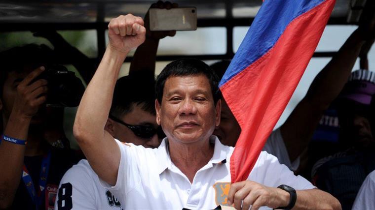 Homem com cancro é torturado por ter sido confundido com um toxicodependente nas Filipinas