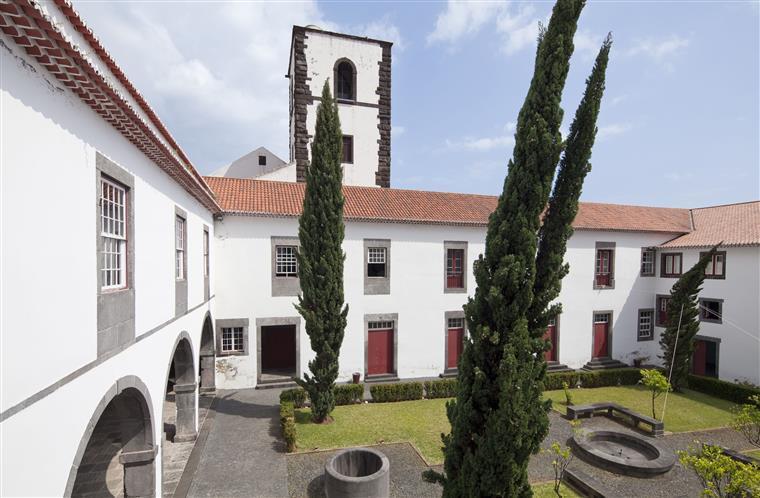 Morreu o fundador da Universidade da Madeira