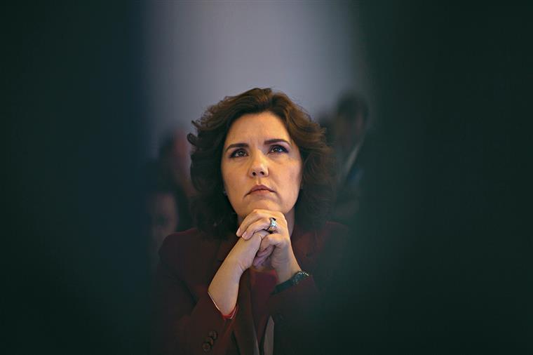 CDS percorre País de comboio para denunciar desinvestimento