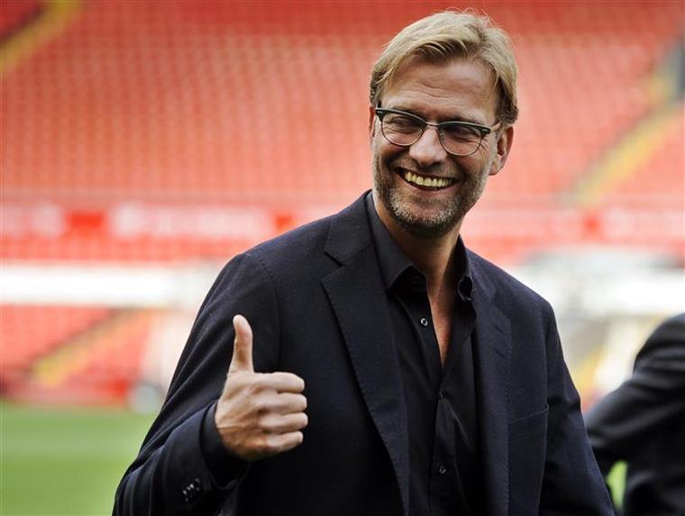 Liverpool cola-se à frente, At. Madrid empata em Valência