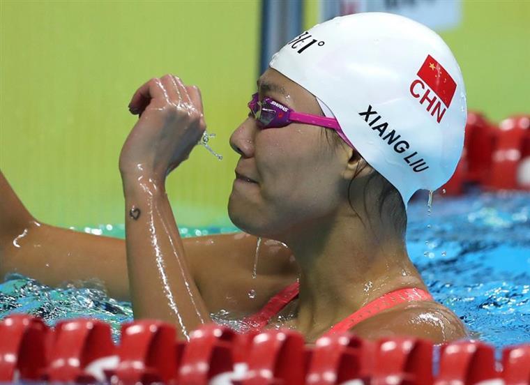 Natação. Liu Xiang bate recorde do mundo nos 50 metros costas