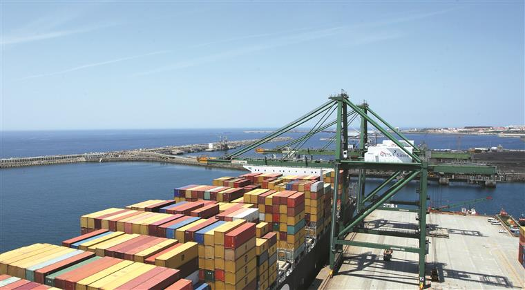 Porto de Sines. Concurso para construção de novo terminal arranca terça-feira