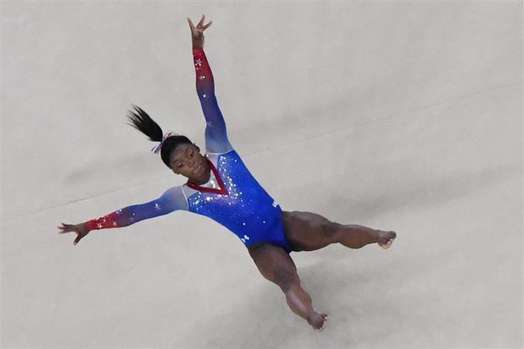 Ginástica. Simone Biles bate recorde de medalhas em Mundiais