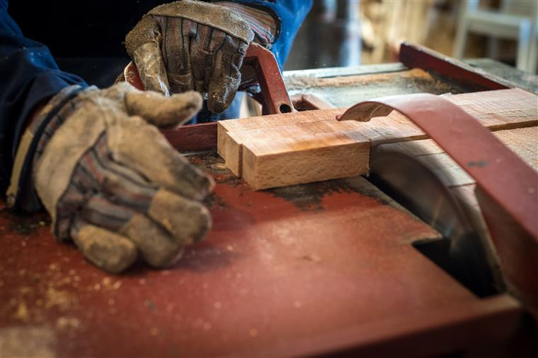 Madeira e mobiliário. Associação teme encerramento de empresas