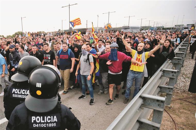 Duras penas para líderes catalães, Sánchez recusa perdão