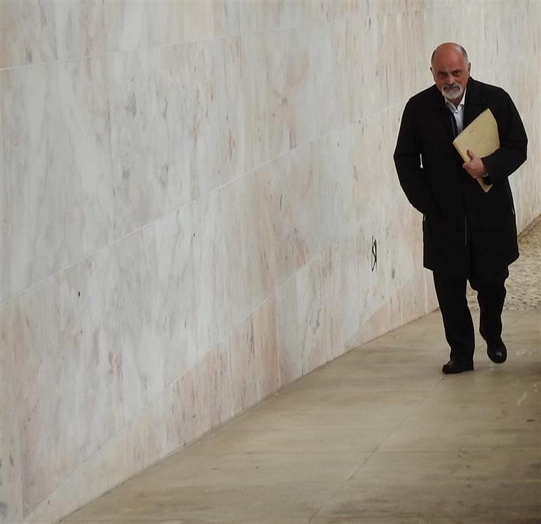 Braga. António Salvador e Mesquita Machado negam conspiração no alargamento de lugares de estacionamento pagos - Sol