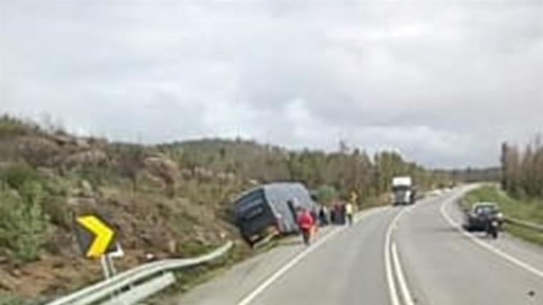 Acidente entre autocarro e veículo provoca seis feridos em Nisa