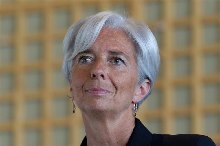 BCE mantém taxas de juro e investimentos na estreia de Christine Lagarde