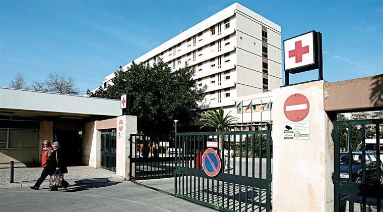 Pais acusam hospital de Faro de 'perder' bebé