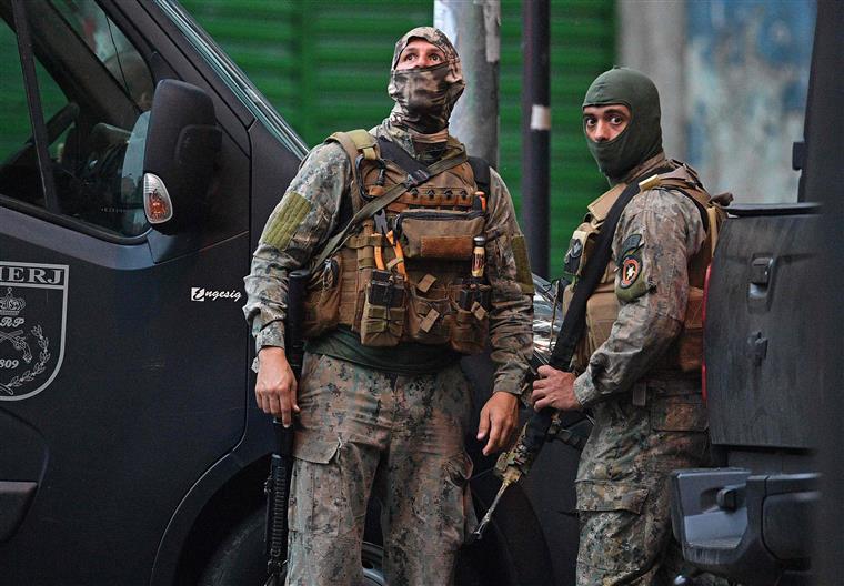 Divulgados vídeos da operação policial no Brasil que provocou nove mortos