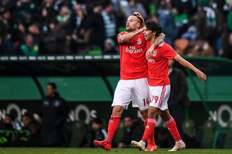 Liga. Aves e Benfica sem surpresas nos onzes