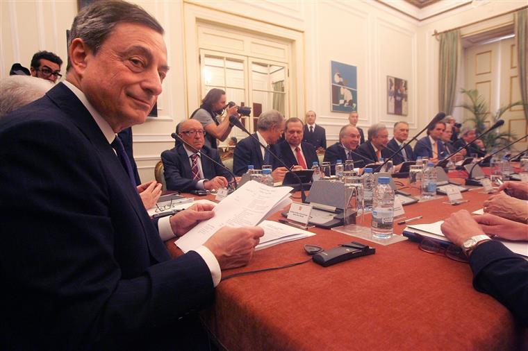 BCE. Draghi promete estímulos adicionais