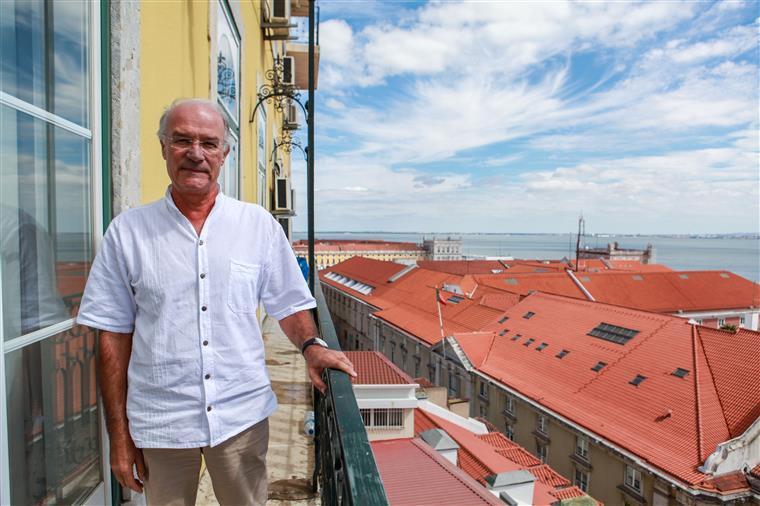 'Para manterem os banqueiros a viver acima das suas possibilidades, puseram o povo português a viver abaixo das suas necessidades'