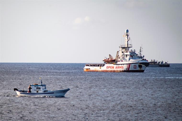 Itália. Open Arms desembarca em Lampedusa sob avisos de Madrid