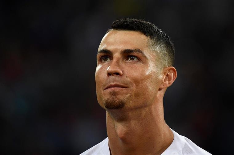 """Ronaldo sobre acusação de violação: """"Ouvi os miúdos a descer as escadas e mudei de canal porque fiquei envergonhado"""""""