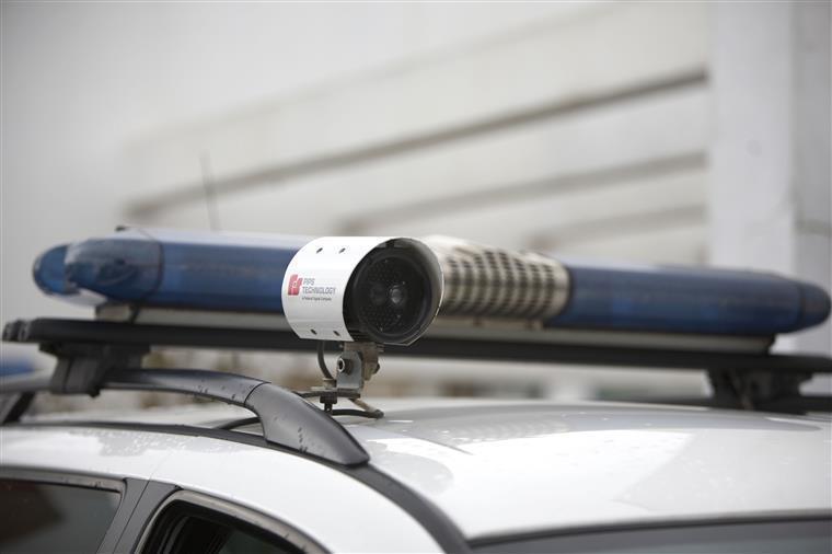 Empresário apanhado pelas PSP a conduzir Porsche em sentido proibido