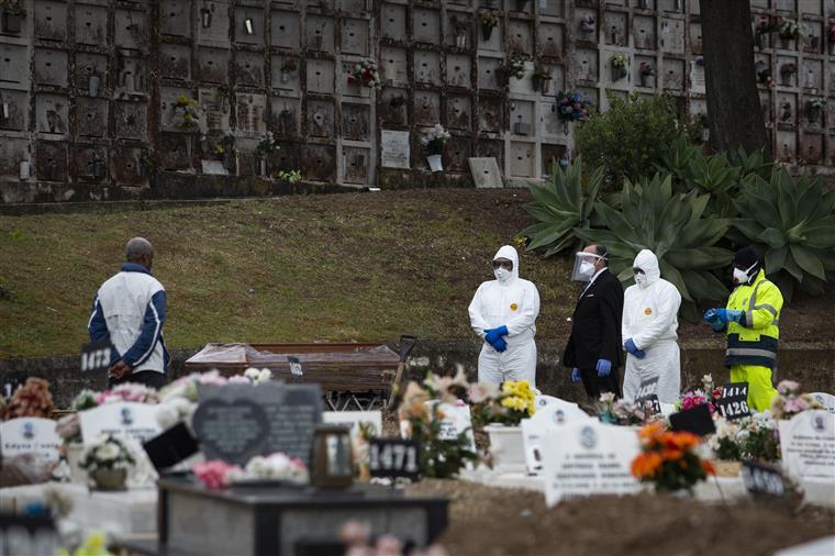 A morte em tempos de pandemia