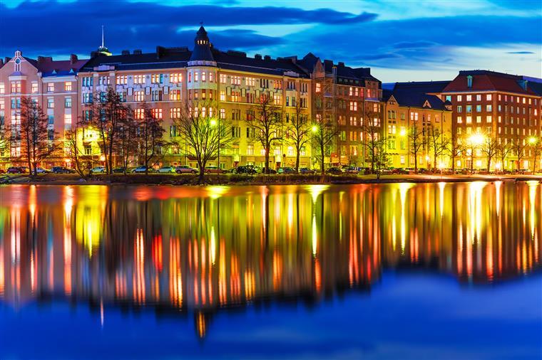 """Finlândia pelo 4º ano o """" país mais feliz do mundo """""""
