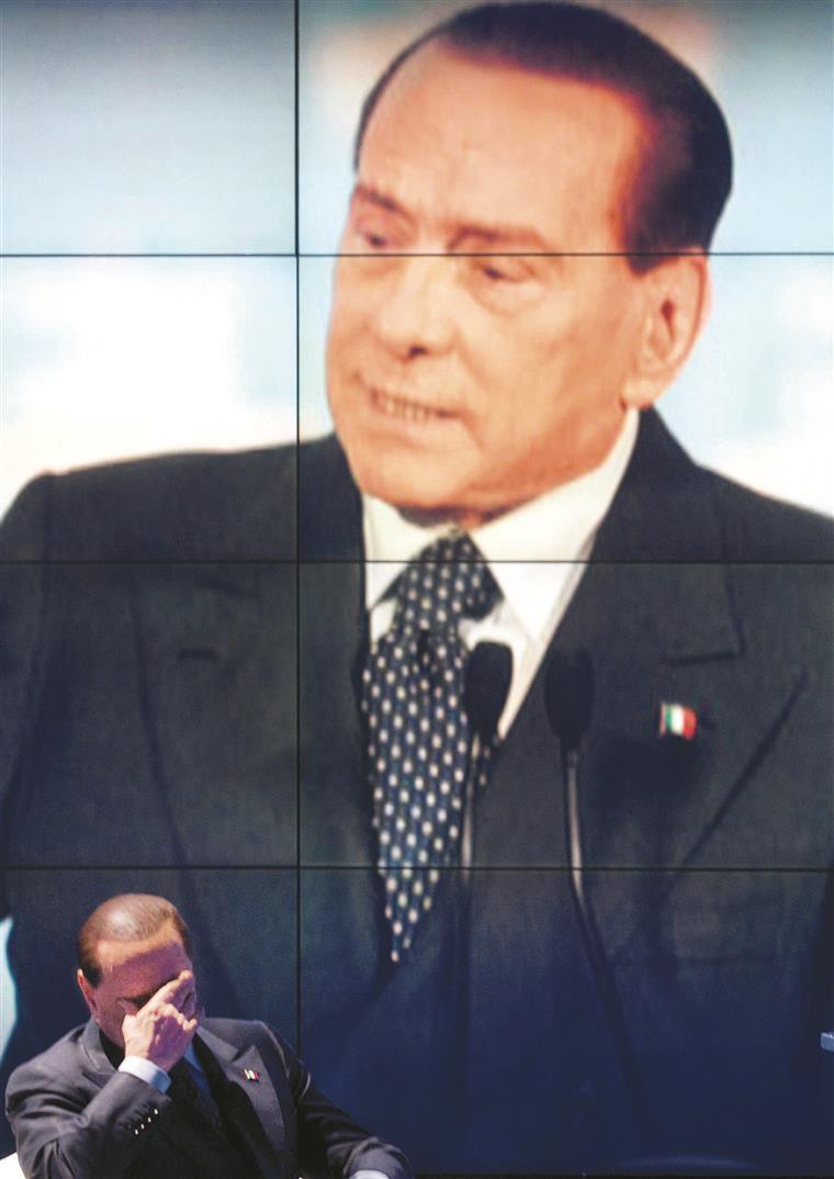Berlusconi considera-se um político poderoso e responsável