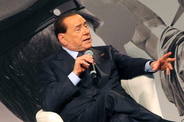 """A televisão acabaria por ser determinante na construção da imagem de """"Berlusconi, o todo-poderoso"""""""