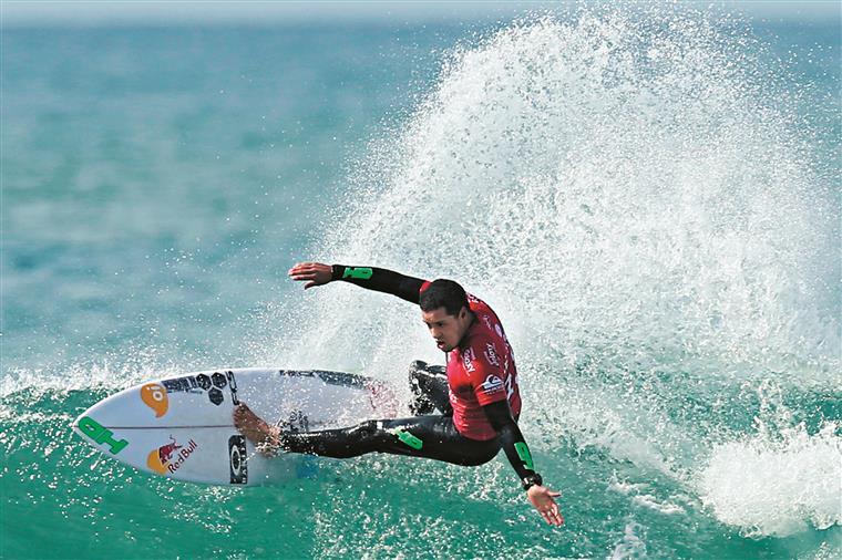 O power surf de Adriano tem dado resultado esta temporada